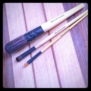 Set of brand new makeup brushes from BeautiControl